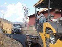 Okullar bölgesinde asfalt çalışması başlatıldı