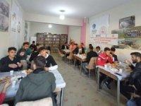 Hakkari AGD gençleri kahvaltıda buluşturdu