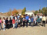 30 kilometre yol kat eden öğrenciler