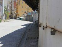 Yüksekova'de kepenkler kapalı