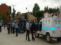 Yüksekova'daki kazada 4 polis yaralandı