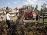 Yüksekova'da ot yangını