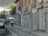 Yüksekova, Çukurca'da kepenkler kapalı