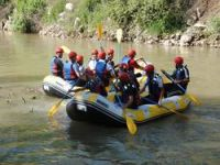 Şemdinli'de rafting heyecanı