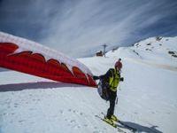 Hakkari'de kayak yamaç paraşütü