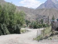 Bağlar mahallesi asfaltlı yol istiyor