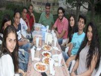 Gençlerden Başkan Demir'e iftar yemeği