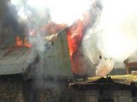 Üzümkıran köyündeki yangın iki evi kül etti