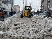 Belediye'den karla mücadele çalışması