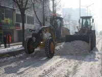 Yüksekova kardan temizleniyor