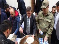 Hakkari polisi 1500 kişiye kavurma pilav dağıttı