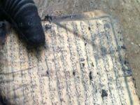 Bir tek Kur'an-ı Kerim yanmadı