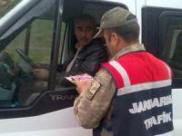 Jandarma' Trafik Haftası' kapsamında hediyeler dağıttı