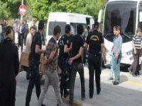 Mersin'de 30 kişi gözaltına alındı