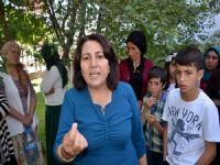 Yüksekovalı kadınlardan belediyeyye su tepkisi