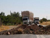 PKK, Diyarbakır-Bingöl karayolunu trafiğe kapattı