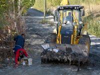 Belediye çevre temizliği yapıp, uyarı levhası astı