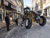Yüksekova'da karla mücadele çalışmaları sürüyor