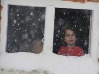 Hakkari'de kar esareti 136 köy, 474 mezra yolu kapandı
