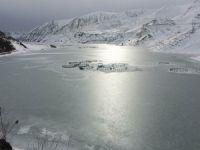 Sibirya soğukları Zernek barajı dondu
