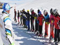 Hakkarili 14 kayakçı Türkiye finaline hazırlanıyor