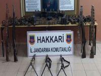 Çukurca'da PKK'ye ait silah deposu bulundu