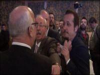 Tekirdağ Belediye Başkanı gazetecinin boğazını sıktı