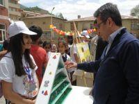 Şemdinli'de öğrenciler bilim fuarı düzenledi