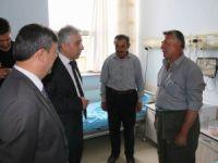 Vali Toprak Devlet Hastanesini ziyaret etti