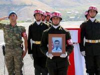 Hakkari'de şehit polis memurları için tören düzenlendi