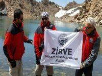 İran'ın zirvesinde Hakkarili dağcılar
