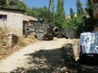 AK Parti milletvekili adayı silahla tarandı