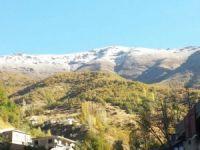 Şemdinli ilçe dağları Beyaza büründü..