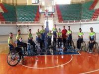 Hakkarili engelliler Diyarbakır'dan galibiyetle döndü