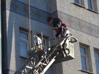 7 katlı binada çıkan yangın korkuttu!