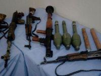 Çok sayıda silah ve mühimmat ele geçirildi