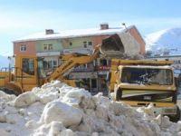 Şemdinli'de kar seferberliği başlatıldı!
