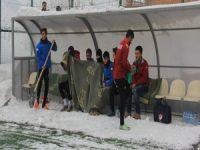 Hakkarispor-Batman belediyespor maçında gol çıkmadı!
