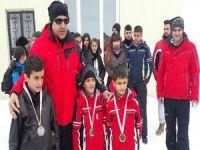 Hakkari'de kayak il birinciliği yarışması yapıldı