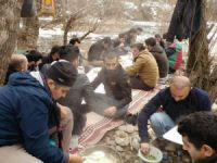 Şemdinli'de kış ortası piknik keyfi!