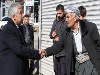 Vali Toprak'a Şemdinli'de sıcak karşılama!