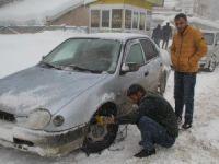 Hakkari'de 78 köy, 135 mezra yolu ulaşıma kapandı