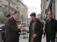 """CHP Hakkari'de """"Neden hayır"""" broşürü dagıttı"""