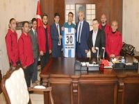 """Sümbül Engeliler spor kulübünden Vali Toprak'a ziyaret"""""""