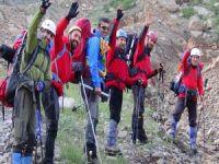 6 kişilik dağcı grubu Sümbül Dağına tırmandı!