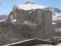 Milyon TL'lik binanın yıkımına başlandı