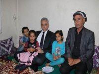 Vali Toprak: Şehit ailelerini ziyaret etti!
