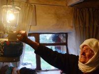 Tek isteği ölmeden önce evine elektrik gelmesi!