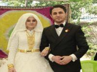 Ak Parti dış ilişkiler uzmanı Öztunç'a  görkemli düğün!