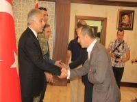 Sümbül dağı manzaralı Zafer Bayramı kutlaması